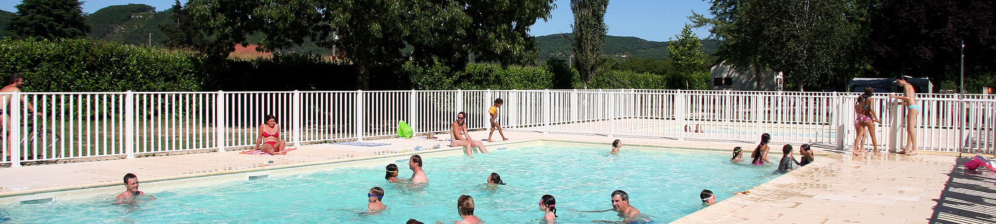 Castels dordogne 24 groupement des campeurs for Piscine universitaire